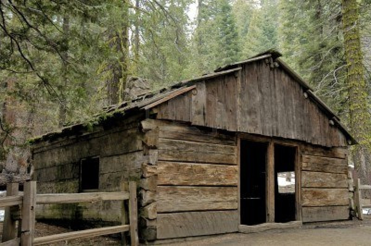 1696513-old-log-cabin-in-sequoia-national-park-california-made-with-sequoia-trees
